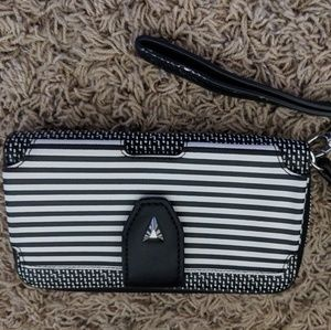 NWOT Stella & dot Wallet